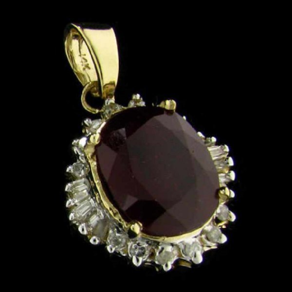 31: APP: 25.4k 14 kt. Gold, 8.88CT Ruby and Diamond Pen
