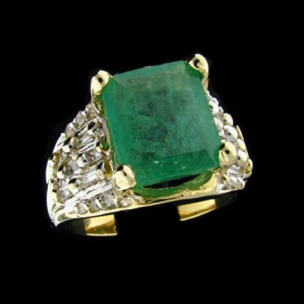35: APP: 10.6k 14 kt. Y/W Gold, 4.00CT Emerald and Diam
