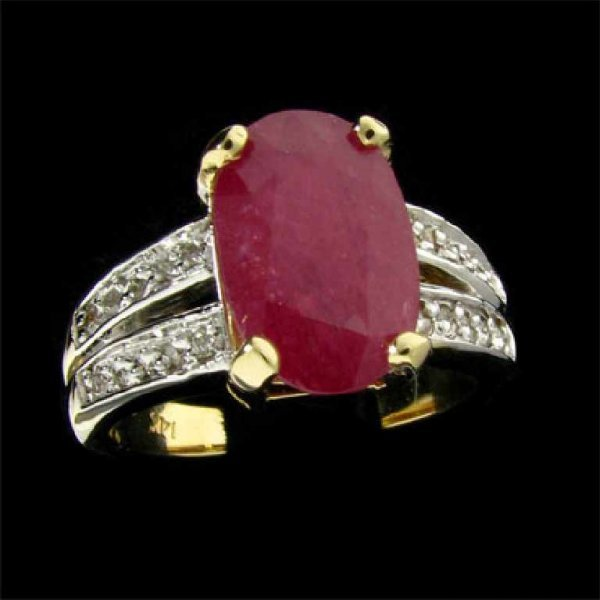 127: APP: 2.7k 14 kt. Gold, 3.42CT Ruby and Diamond Rin