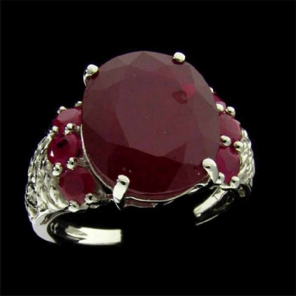 7: APP: 11.7k 14 kt. White Gold, 7.88CT Ruby and Diamon