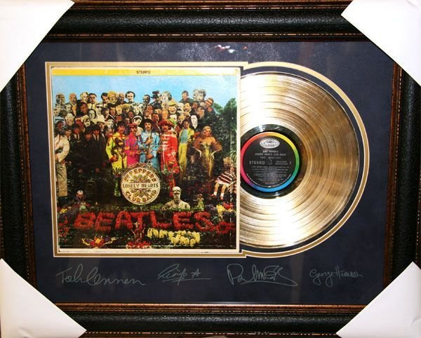"""Beatles Vinly Record """"Sgt Peppers Lonely Hearts"""""""