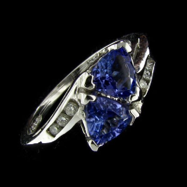 14 kt. White Gold, 0.88CT Tanzanite & Diamond Ring