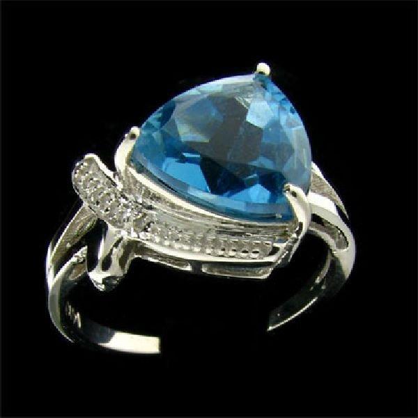 14 kt. White Gold, 4.28CT Blue Topaz and Diamond Ring