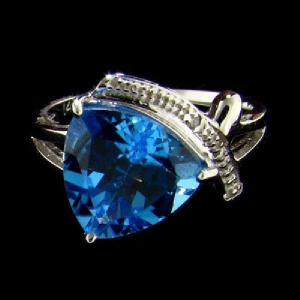 14 kt. White Gold, 4.28CT Blue Topaz & Diamond Ring