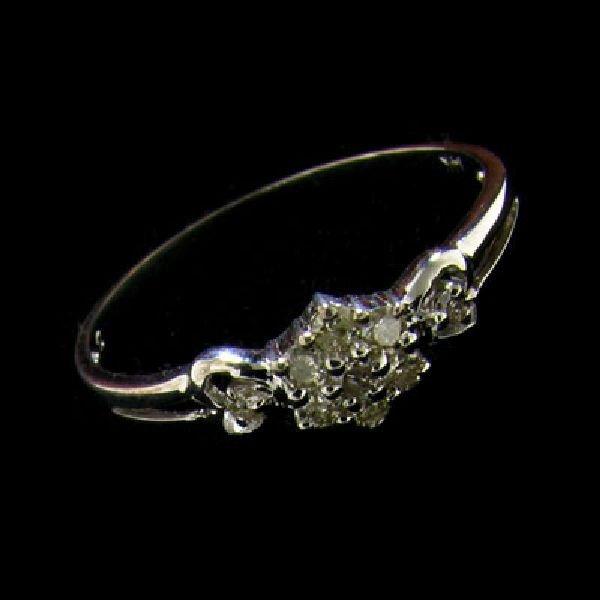 14 kt. White Gold Diamond Ring
