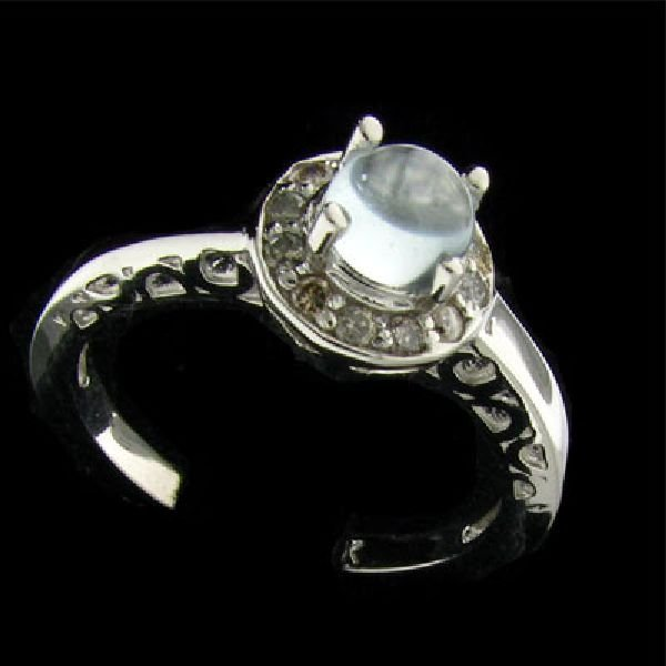 14 kt. White Gold, 0.56 Aquamarine & Diamond Ring