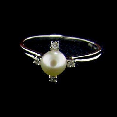 14 kt. White Gold, 3mm Freshwater Pearl & Diamond Ring