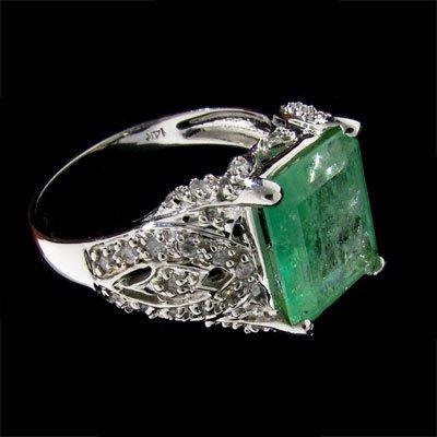 APP:5.5k 14kt. White Gold 2.99CT Emerald & Diamond Ring