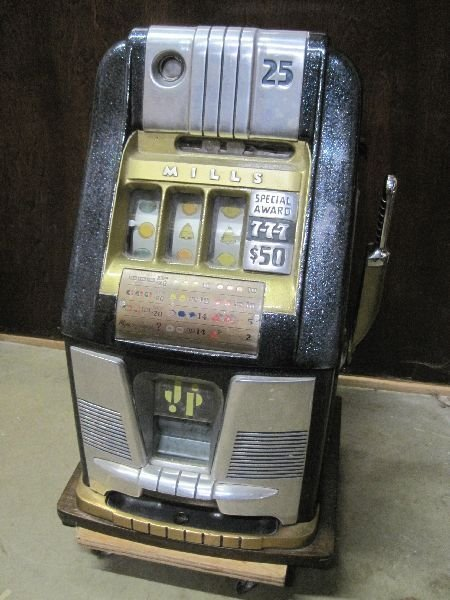 25 Cent High Top Slot Machine