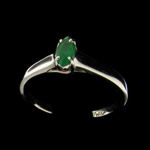 14 kt. White Gold, 0.40CT Emerald Ring