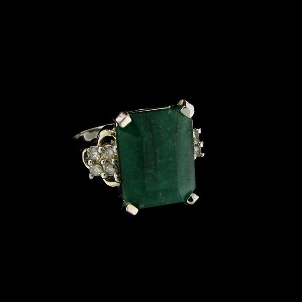 APP:16.8k 14kt W Gold 8.90CT Emerald & Diamond Ring
