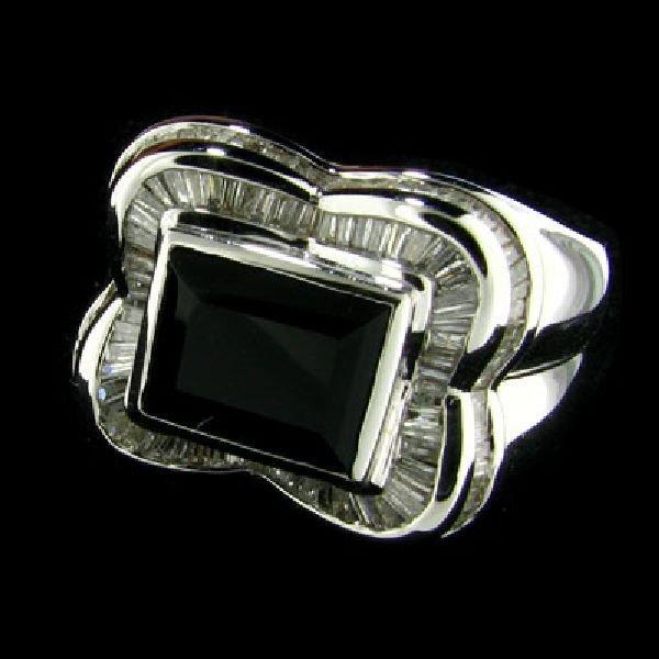 APP: 5k 14 kt. White Gold, 1.61CT Onyx & Diamond Ring