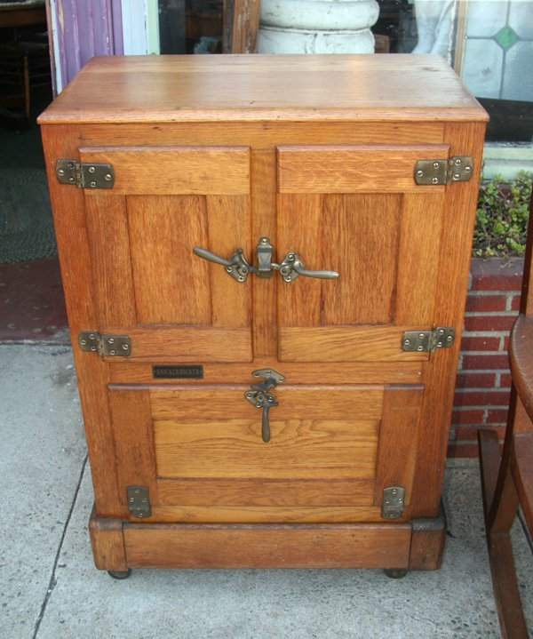 Antique Knickerbocker Ice Box - Circa 1910