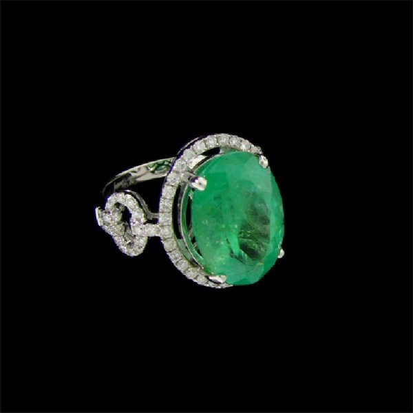 5: APP: 27.9k 18 kt. White Gold, 8.11CT Emerald and Dia