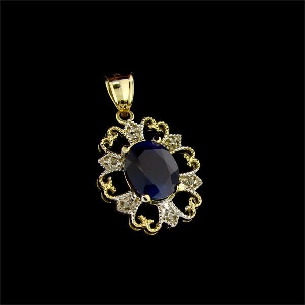 APP: 9k 14 kt. Gold, 6.62CT Sapphire & Diamond Pendant