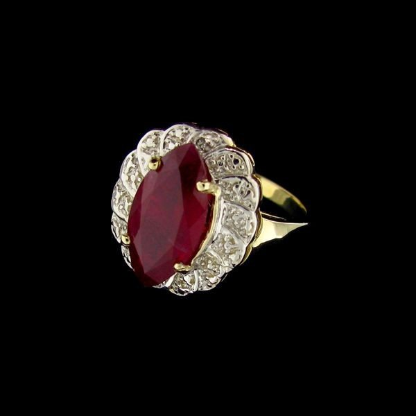 APP: 10.6k 14 kt. Gold, 4.26CT Ruby & Diamond Ring