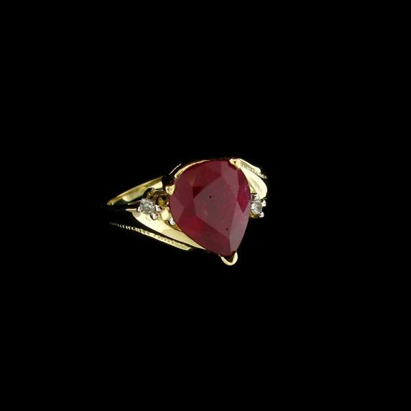 APP: 10.2k 14 kt. Gold, 3.93CT Ruby & Diamond Ring