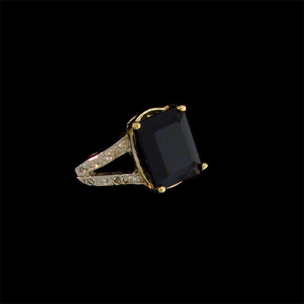 APP: 9.3k 5.30CT 14 kt. Gold, Sapphire and Diamond Ring