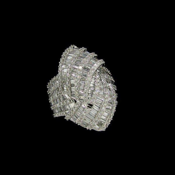 APP: 41.9k 14 kt. White Gold, 3.25CT Diamond Ring