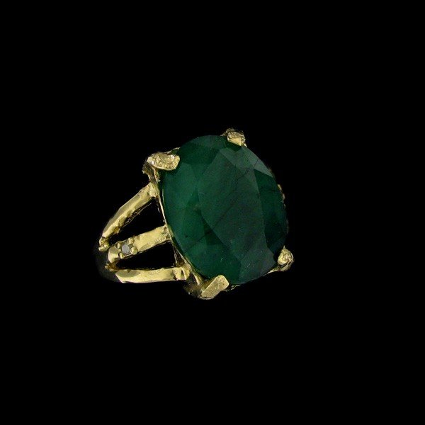 APP: 20.3k 9.22CT 14 kt. Gold, Emerald & Diamond Ring