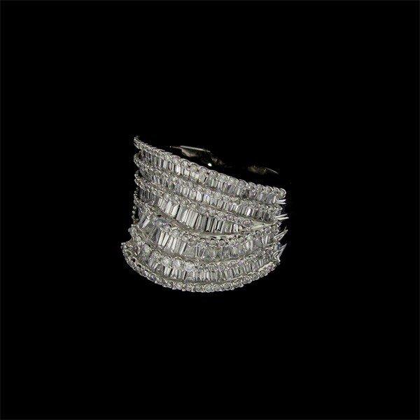 APP: 25.6k 14 kt. White Gold, 1.65CT Diamond Ring
