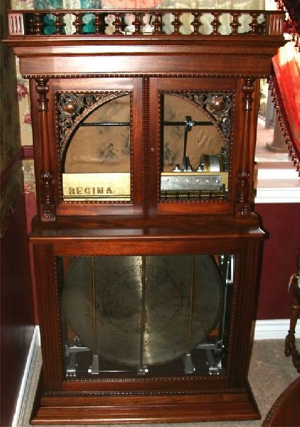 Antique Regina 27.5 Inch Changer Music Box - Mint Condi