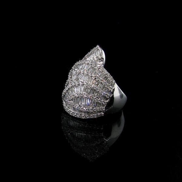 APP: 33.5k 14 kt. White Gold, 2.55CT Diamond Ring