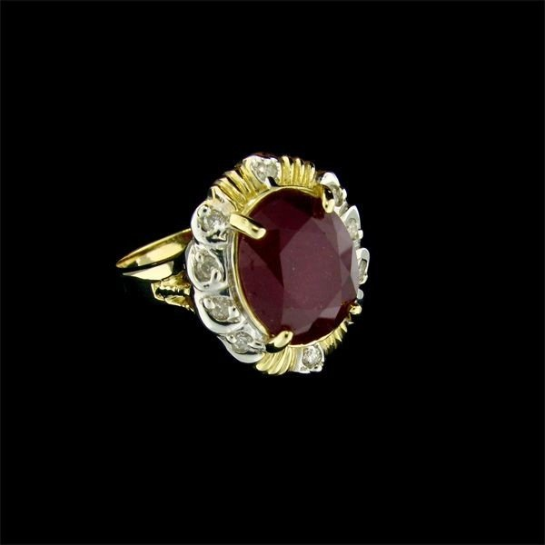 APP: 11.4k 14 kt. Gold, 4.97CT Ruby & Diamond Ring