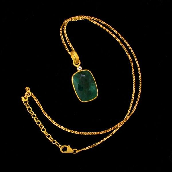 APP: 14k 16CT 24kt Gold, Emerald Pendant w/chain