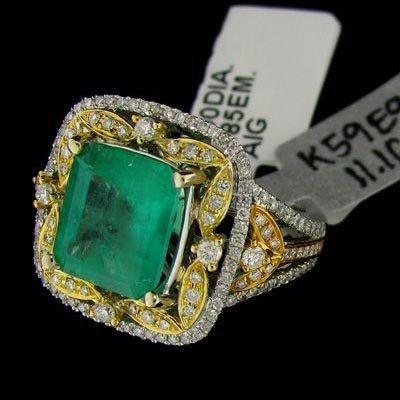 APP: 15k 4.85CT 14kt White Gold, Emerald & Diamond Ring
