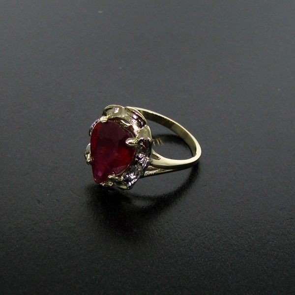 APP: 11.1k 5.02CT Ruby 14 kt. Gold, Ring