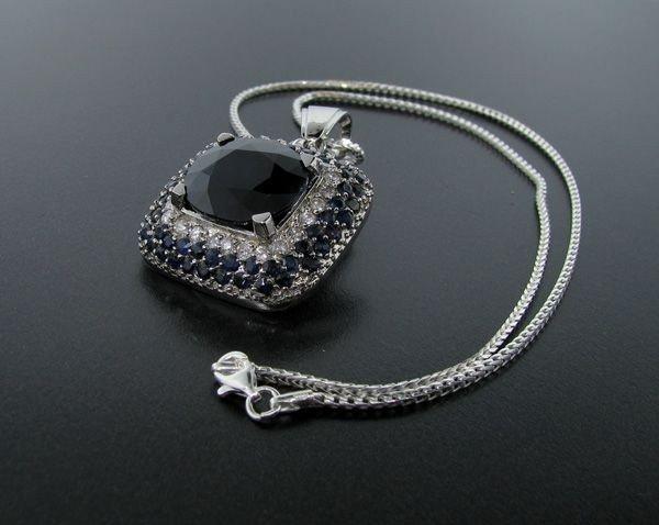 APP: 37k 14 ktCT Blue Sapphire & Diamonds Pendant