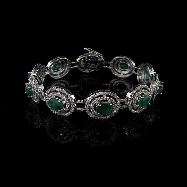 APP: 72k 14kt White Gold 7CT Emerald & Diamond Bracelet