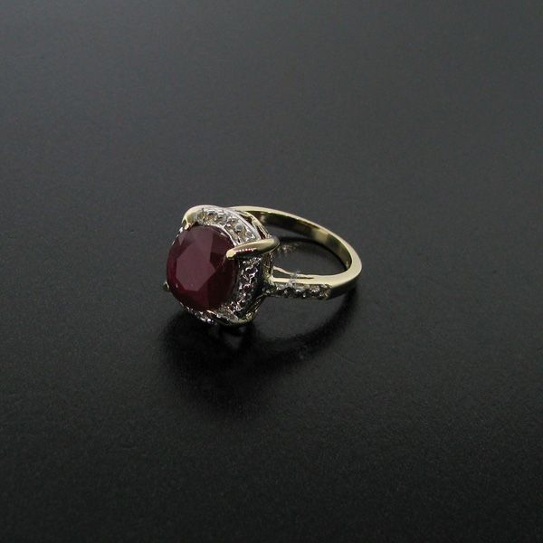 APP: 7.6k 5.47CT Ruby 14 kt. Gold, Ring