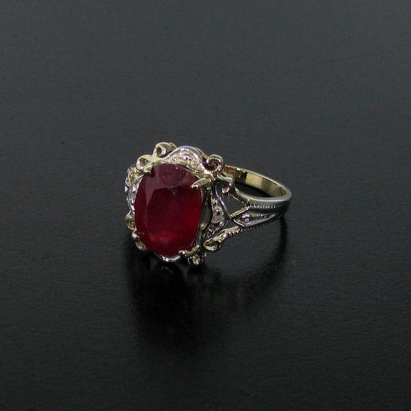 APP: 12k 4.40CT Ruby 14 kt. Gold, Ring