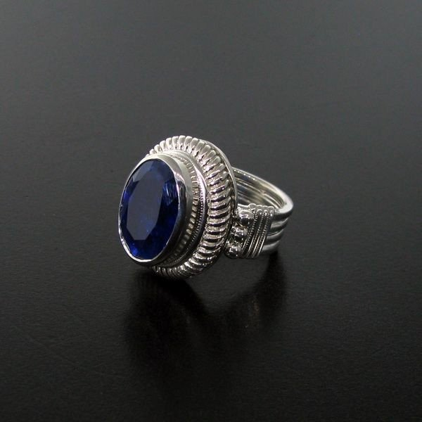 APP: 10k 11.24CT Blue Sapphire & Sterling Silver Ring