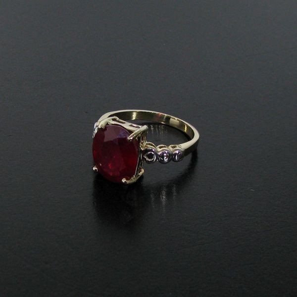 APP: 12.3k 4.50CT Ruby 14 kt. Gold, Ring