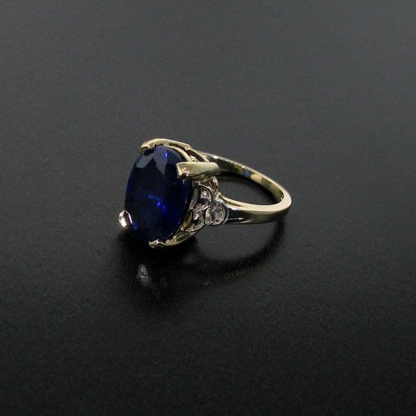 APP: 19.9k 8.16CT 14 kt. Gold, Sapphire & Diamond Ring