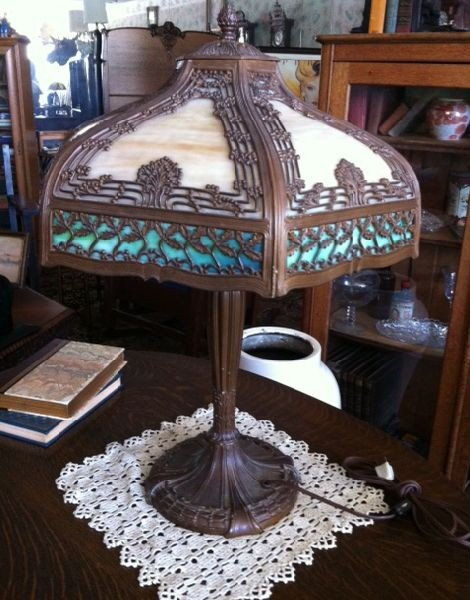 Stained Glass Antique Panel Lamp - Oak Tree Theme