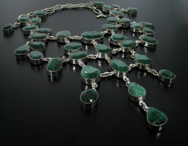 APP: 89k 331CTGreen Sapphire & Sterling Silver Necklace