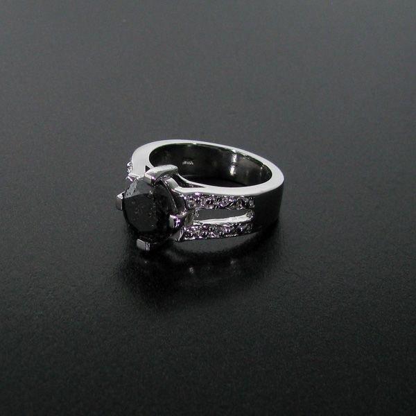 APP: 9k 2CT Rare Black Diamond 14 kt White Gold, Ring