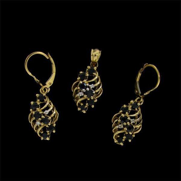14 kt. Gold, Sapphire Set