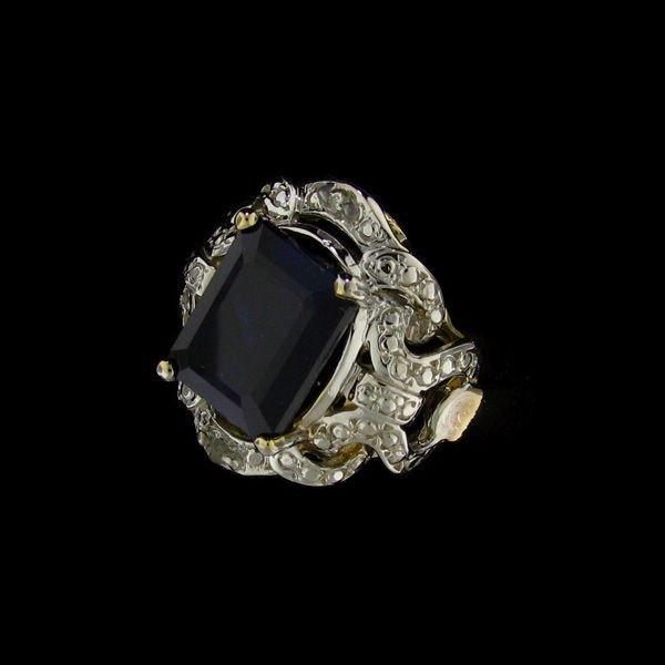 APP: 12.6k 4.70CT 14 kt. Gold, Sapphire & Diamond Ring