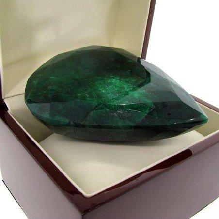 APP: 361.5k 1,807.40CT Emerald Gemstone