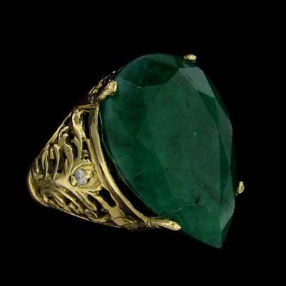 APP: 14.7k 12.01CT 14 kt. Gold, Emerald & Diamond Ring