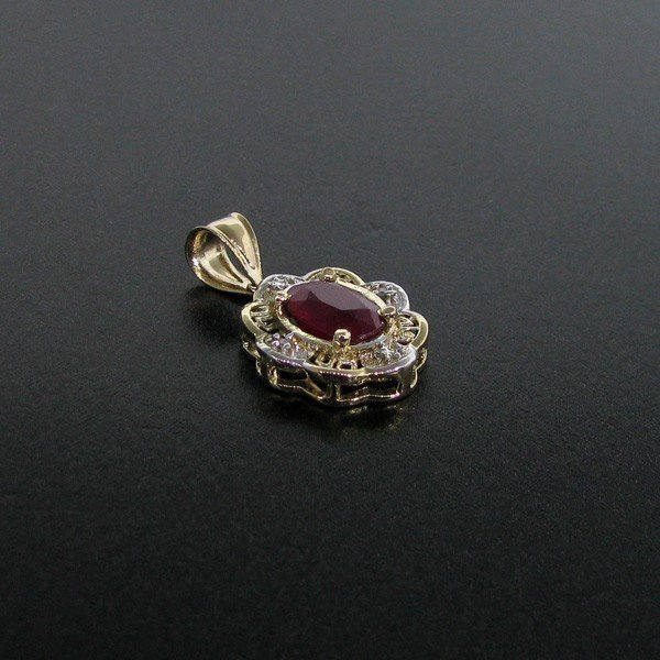 APP: 3k 14 kt. Gold, 2.42CT Ruby Pendant