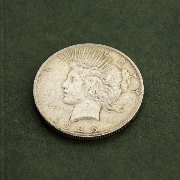 1925   U.S. Peace Silver Dollar Coin - Investment