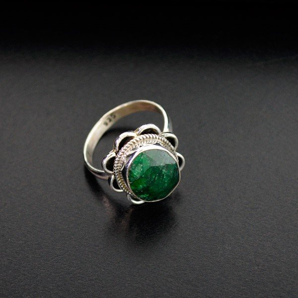 APP: 1.1k 6.45CT Green Sapphire & Sterling Silver Ring