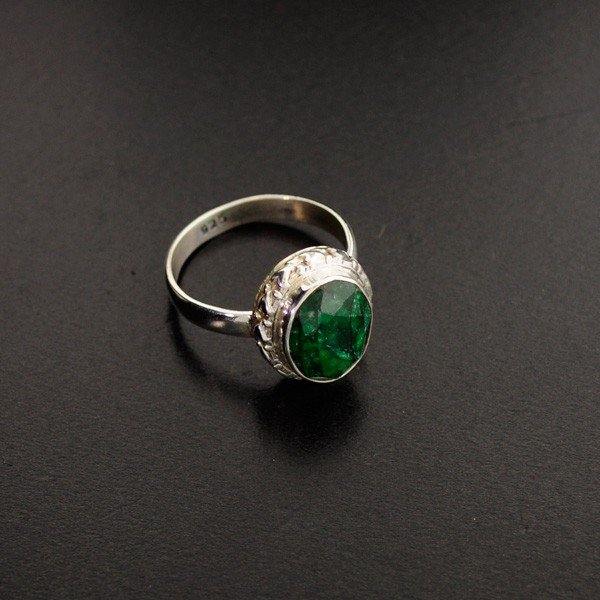 APP: 1k 5.50CT Green Sapphire & Sterling Silver Ring