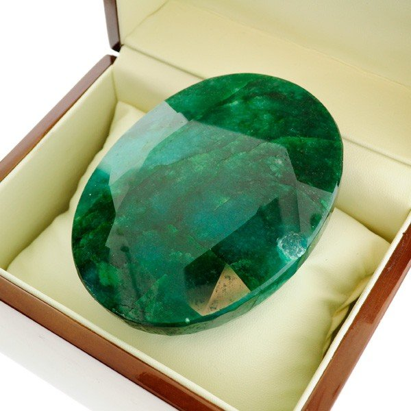 APP: 107.4k 1,602.30CT Emerald Gemstone